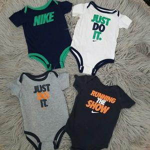NIKE || 4 piece infant onsies